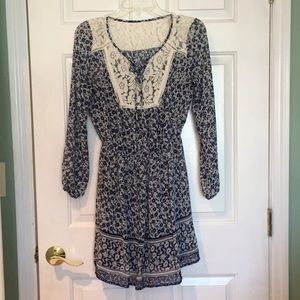 Dresses & Skirts - Blue Lace Floral Long Sleeved Peasant Dress
